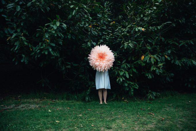 Tiffanie Turner paper flowers 1 Lola Who Fashion Music Photography blog